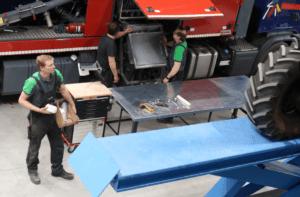 Maschinentechnicker am Werk